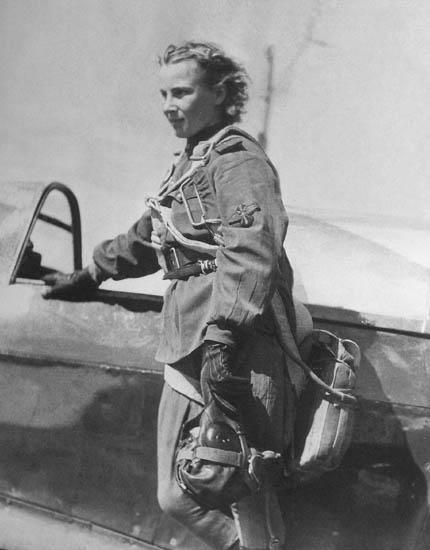 Лидия Литвяк, 1943 год.